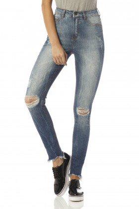 calca skinny cropped hot pants detonada dz2432 frente proximo denim zero