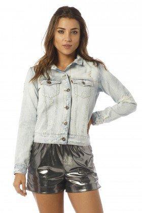 jaqueta feminina jeans claro e rasgos dz9066 frente proximo denim zero