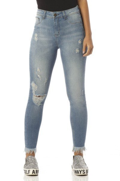 calca skinny cropped media detonada dz2412 frente proxima denim zero