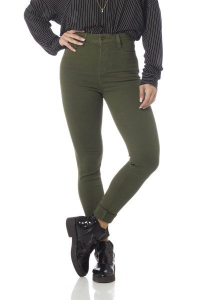 calca skinny hot pants colors dz2528 olive frente proximo denim zero