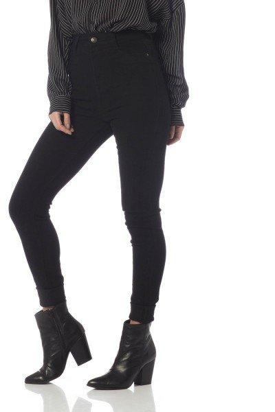 calca skinny hot pants colors dz2528 preto frente proximo denim zero