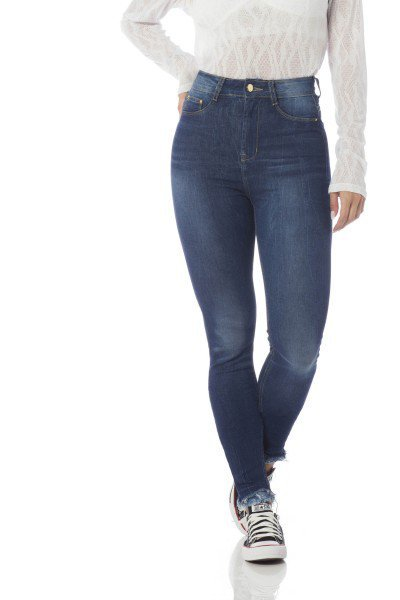 calca skinny hot pants barra desfiada dz2641 frente proximo denim zero