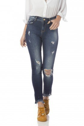 calca skinny media cigarrete com rasgos dz2650 frente proximo denim zero