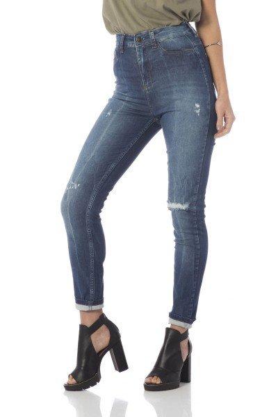 calca skinny hot pants com puidos dz2674 frente proximo denim zero