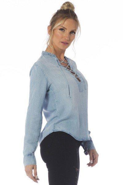 33e4d4fe64fa2 camisa jeans solta clara dz11121 frente proximo denim zero; camisa jeans  solta clara dz11121 lateral proximo denim zero ...