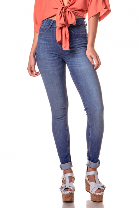 dz2612 11 calca skinny media estonada com bigodes denim zero frente cortada