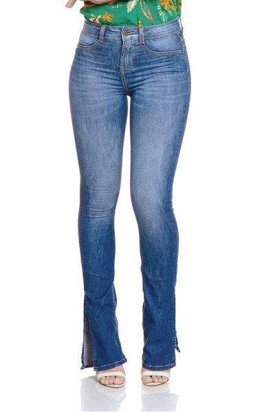 49beffa0e Calça Jeans Feminina Boot Cut Média com Fenda - DZ2787
