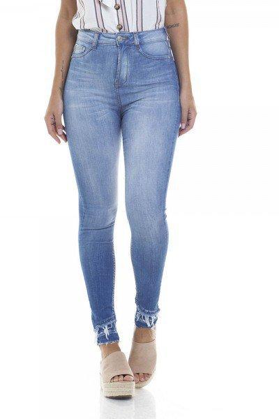 9eb6fb2c24 Calça Jeans Feminina Skinny Cigarrete Hot Pants Estonada - DZ2805