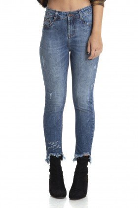 dz2885 calca skinny cropped media bordado barra denim zero frente crop