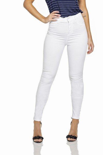 dz2695 12 calca skinny hot pants branca pose frente prox