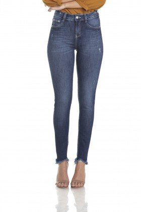 dz2972 calca skinny media cigarrete estonada bigodes frente crop denim zero