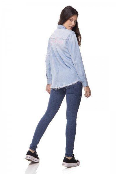 1f3ae82e8b98e ... frente; dz11142 camisa jeans oversize clara denim zero lado ...