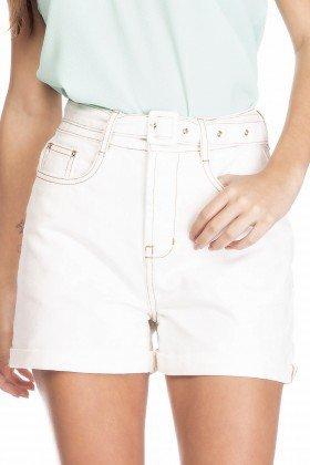 dz6377 shorts jeans feminino mom com cinto removivel off white denim zero frente detalhe